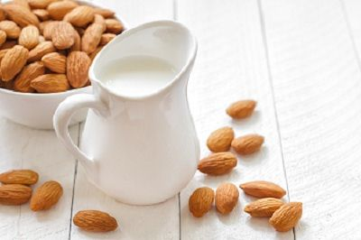 health-benefits-of-almond-milk